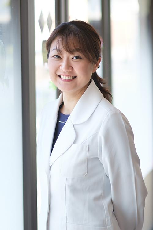 副院長 久保 香世 日本矯正歯科学会認定医